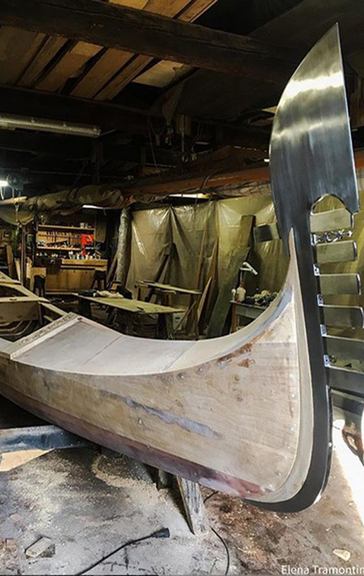 Gondola in costruzione